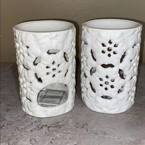 2 Slatkin & Co Fragrance Oil Warmers Snowflakes